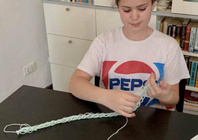 craft finger knitting